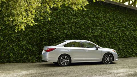 Tire, Wheel, Automotive design, Alloy wheel, Vehicle, Rim, Spoke, Car, Full-size car, Mid-size car,