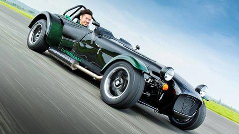 Tire, Wheel, Motor vehicle, Automotive tire, Automotive design, Automotive wheel system, Vehicle, Car, Rim, Asphalt,