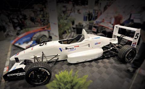Tire, Wheel, Automotive tire, Automotive design, Open-wheel car, Automotive wheel system, Rim, Formula one, Auto part, Toy,