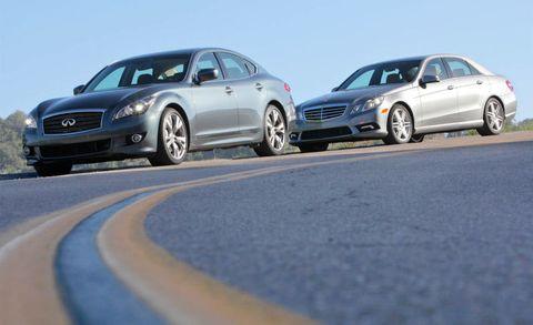 Tire, Wheel, Alloy wheel, Vehicle, Land vehicle, Automotive design, Rim, Car, Full-size car, Automotive tire,