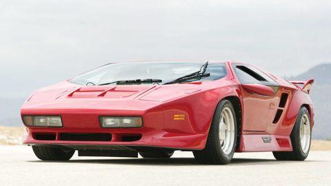 Tire, Wheel, Automotive design, Mode of transport, Vehicle, Automotive exterior, Land vehicle, Transport, Car, Rim,