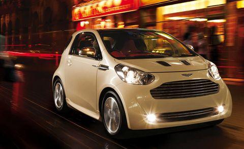 Tire, Motor vehicle, Wheel, Mode of transport, Automotive design, Automotive mirror, Vehicle, Headlamp, Automotive lighting, Land vehicle,