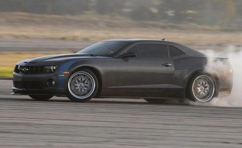 Tire, Wheel, Automotive tire, Automotive design, Vehicle, Land vehicle, Hood, Rim, Car, Automotive wheel system,