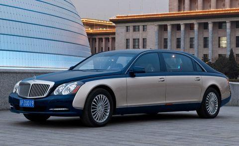 Tire, Wheel, Vehicle, Land vehicle, Window, Car, Rim, Grille, Full-size car, Luxury vehicle,