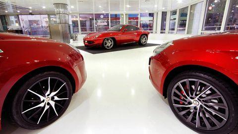Tire, Wheel, Automotive design, Alloy wheel, Vehicle, Automotive tire, Land vehicle, Event, Automotive wheel system, Car,