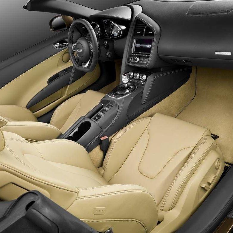 Photos: 2011 Audi R8 Spyder 5.2 FSI Quattro