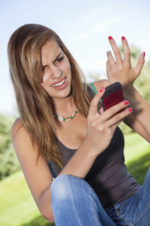 Finger, Skin, Denim, Jeans, Hand, Nail, Mobile phone, Wrist, Fashion accessory, Jewellery,
