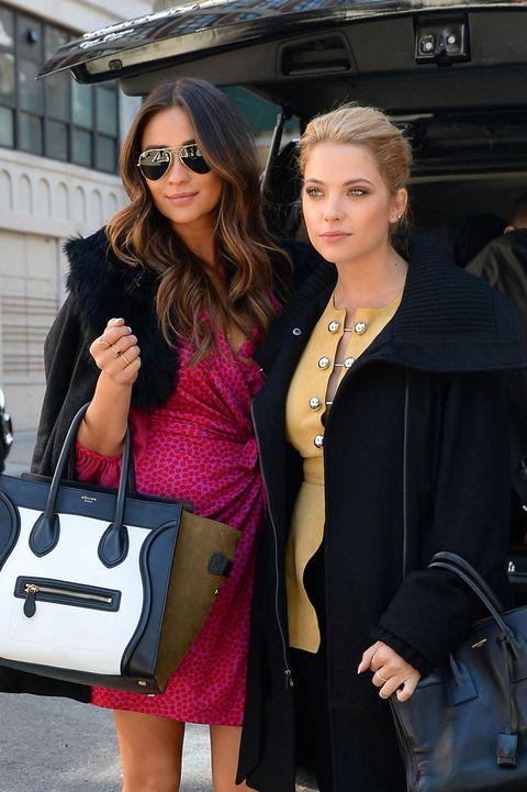 Clothing, Eyewear, Coat, Outerwear, Sunglasses, Fashion accessory, Bag, Style, Street fashion, Fashion,