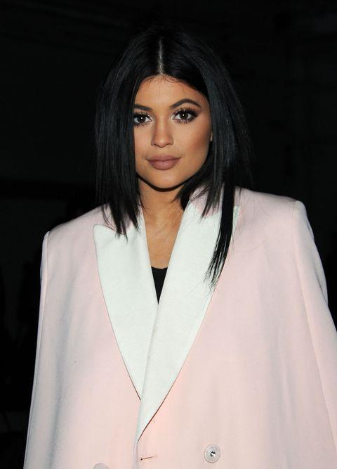Clothing, Lip, Hairstyle, Sleeve, Collar, Shoulder, Eyelash, Style, Black hair, Blazer,