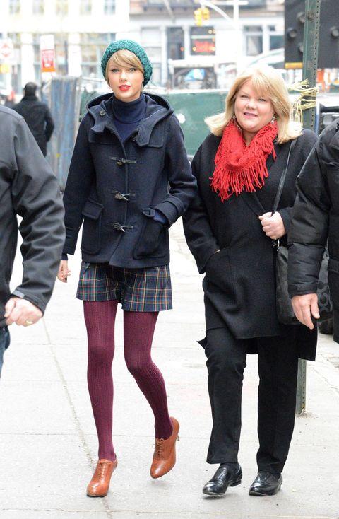 Clothing, Footwear, Winter, Leg, Sleeve, Trousers, Coat, Textile, Human leg, Outerwear,