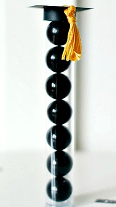 13 Easy DIY Graduation Party Ideas