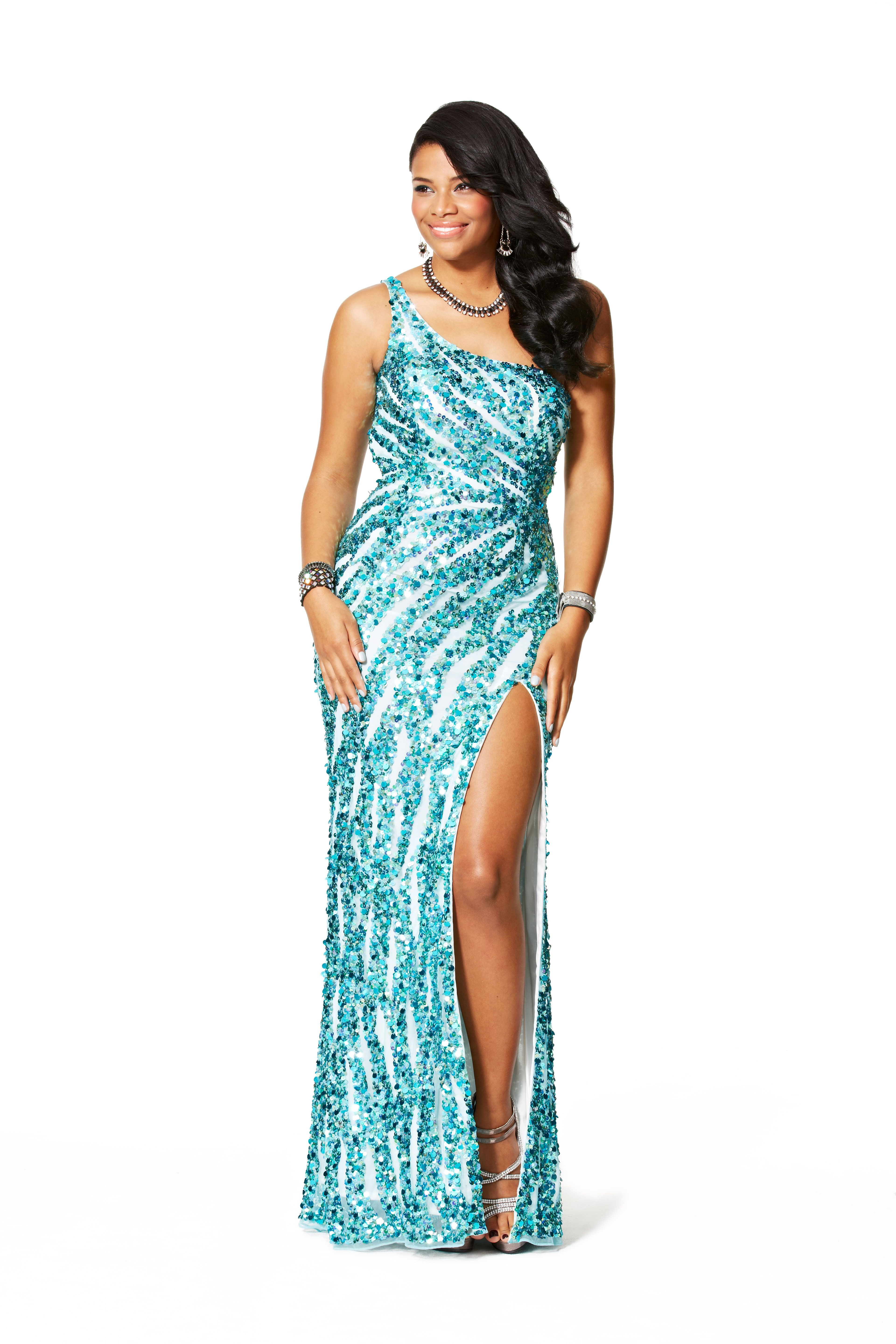 The Best Prom Dresses For Your Body Type - How To Choose A Prom ...
