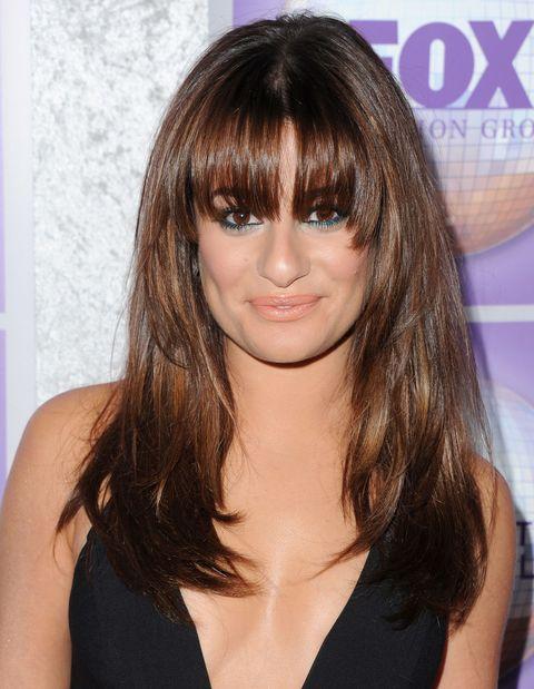 Lip, Hairstyle, Eyebrow, Bangs, Eyelash, Step cutting, Beauty, Brown hair, Long hair, Feathered hair,
