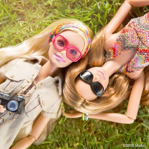 Eyewear, Glasses, Vision care, Single-lens reflex camera, Camera, Summer, Digital camera, Style, People in nature, Lens,