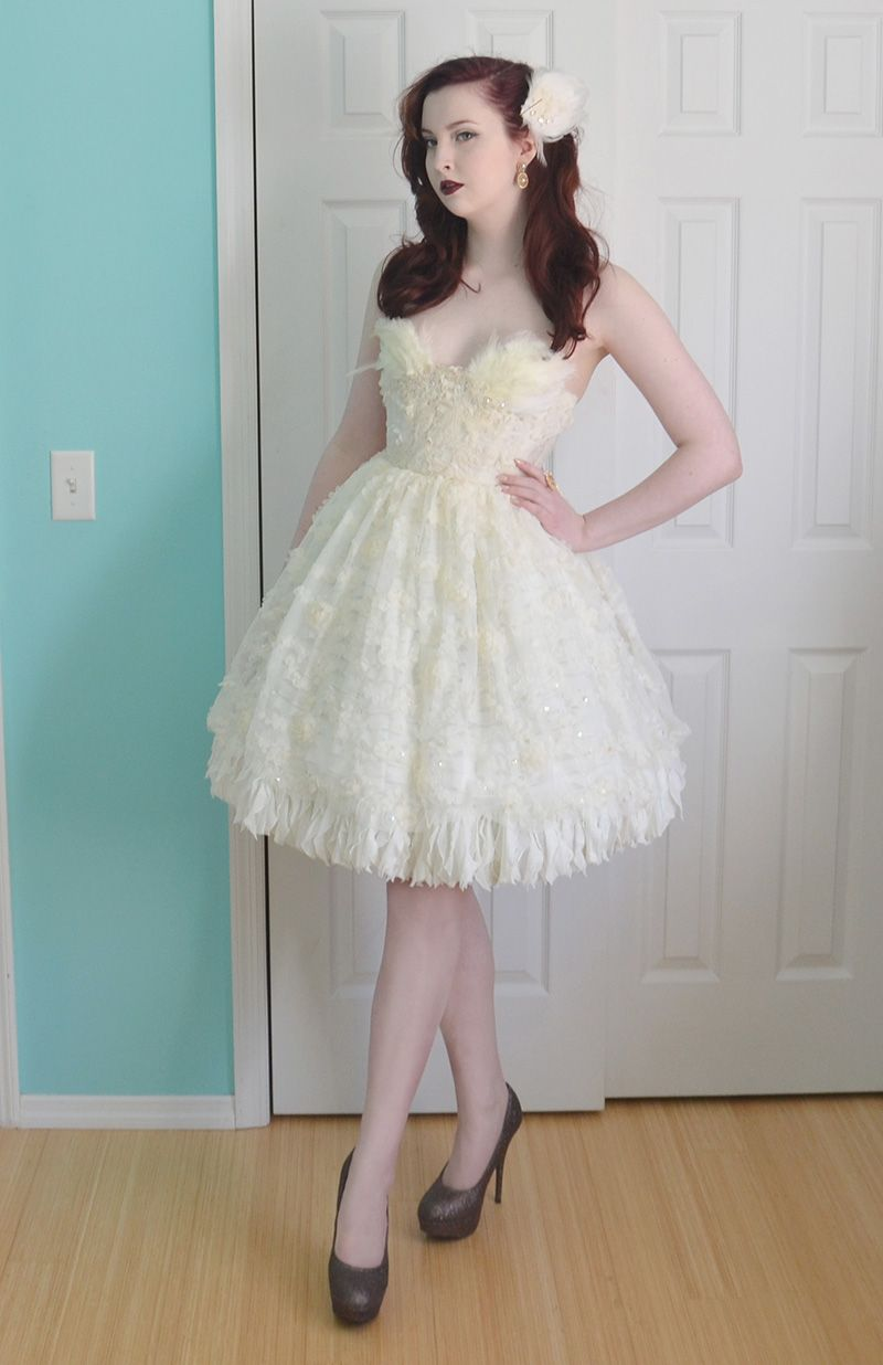 11 Insanely Cool DIY Prom Dresses- Handmade Prom Dress Ideas