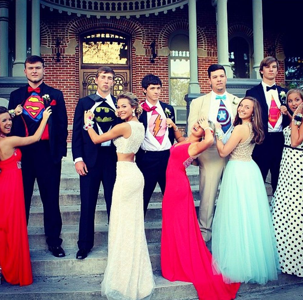 20 Creative Poses for Prom Pics With Your Squad  sc 1 st  Seventeen Magazine & 20 Best Prom Poses - Creative Ideas For Prom Pictures With Your Besties