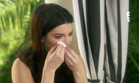 Finger, Lip, Hairstyle, Skin, Eyebrow, Beauty, Nail, Black hair, Long hair, Wrist,