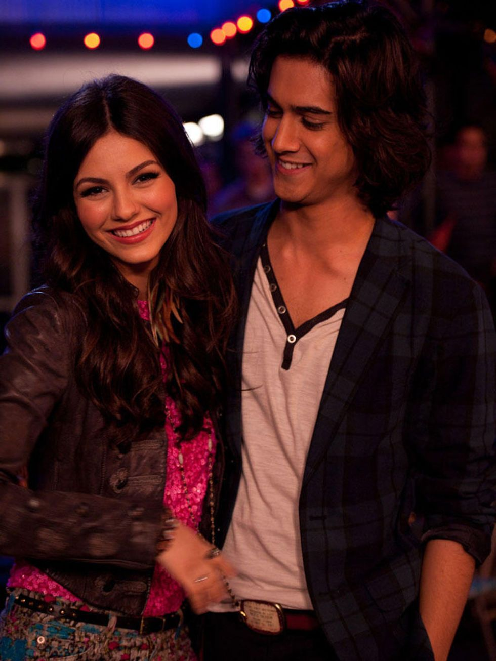 Are victoria justice and beck from victorious dating