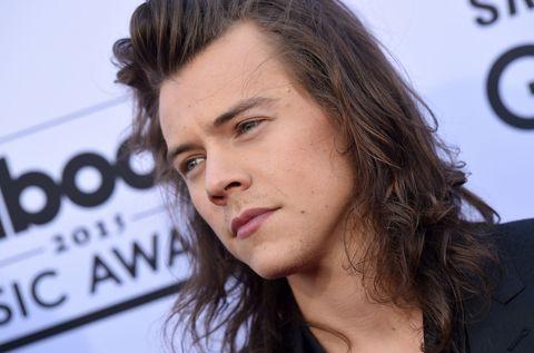 Lip, Cheek, Hairstyle, Chin, Forehead, Eyebrow, Eyelash, Black hair, Jaw, Neck,