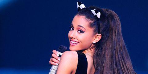 Hair, Hairstyle, Ear, Beauty, Forehead, Black hair, Lip, Long hair, Singer, Model,