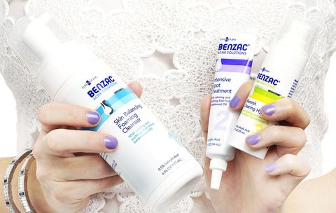 Liquid, Fluid, Product, Finger, Skin, Plastic bottle, Nail, Purple, Violet, Lavender,
