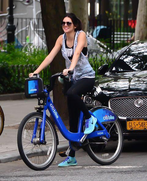 kendall jenner leggings biking