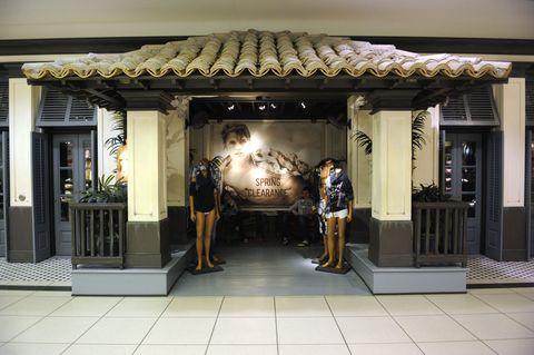 Hollister store