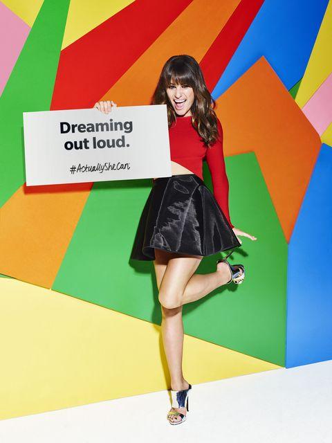 Green, Human leg, Red, Dress, Style, One-piece garment, Knee, Pattern, Waist, Fashion,