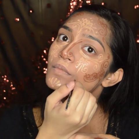 Finger, Lip, Cheek, Skin, Forehead, Eyebrow, Eyelash, Nail, Organ, Nail care,
