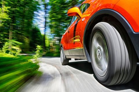 Tire, Wheel, Automotive tire, Automotive design, Vehicle, Automotive exterior, Land vehicle, Automotive wheel system, Car, Rim,