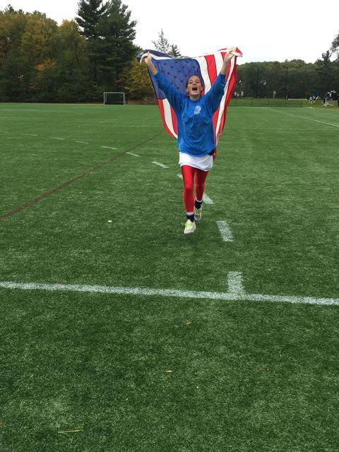 Grass, Jersey, Sportswear, Flag, Playing sports, Soccer, Football player, Sports jersey, Soccer player, Soccer ball,