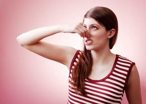Ear, Lip, Hairstyle, Skin, Chin, Shoulder, Eyebrow, Sleeveless shirt, Eyelash, Joint,