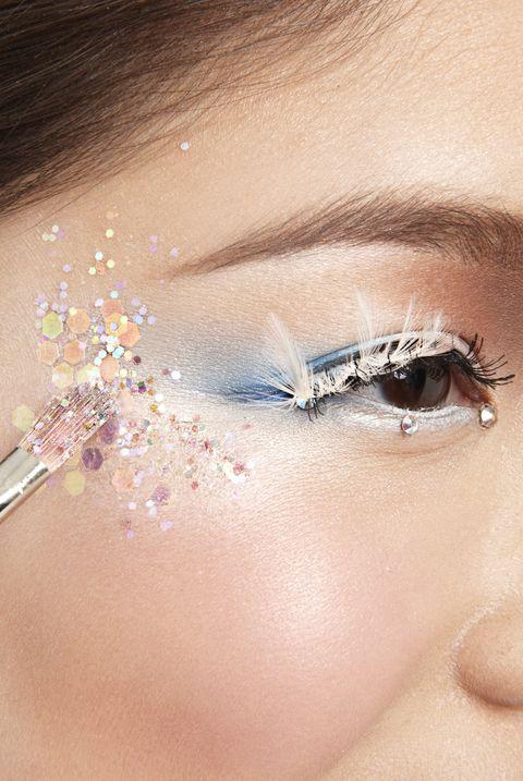 Eyebrow, Face, Eyelash, Skin, Eye, Beauty, Nose, Forehead, Head, Organ,