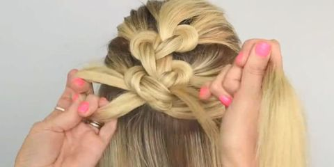 Finger, Brown, Hairstyle, Skin, Nail, Style, Pink, Beauty, Blond, Long hair,
