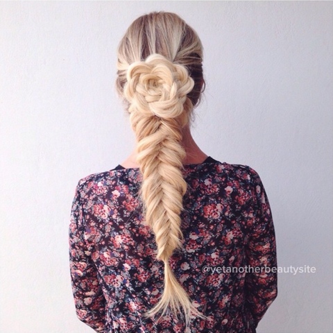 Clothing, Brown, Hairstyle, Sleeve, Textile, Style, Pattern, Fashion, Neck, Long hair,