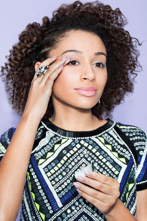 Lip, Brown, Hairstyle, Forehead, Eyebrow, Eyelash, Jheri curl, Style, Beauty, Jewellery,