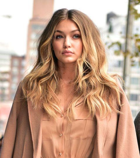 Lip, Brown, Hairstyle, Style, Amber, Street fashion, Step cutting, Long hair, Blond, Brown hair,