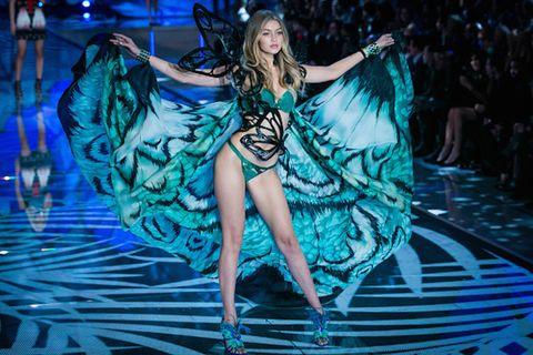 Fashion model, Fashion, Dress, Youth, Model, Thigh, Long hair, High heels, Dance, Costume design,