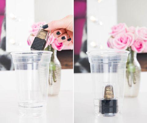 Glass, Drinkware, Petal, Liquid, Pink, Purple, Cut flowers, Flowering plant, Centrepiece, Transparent material,