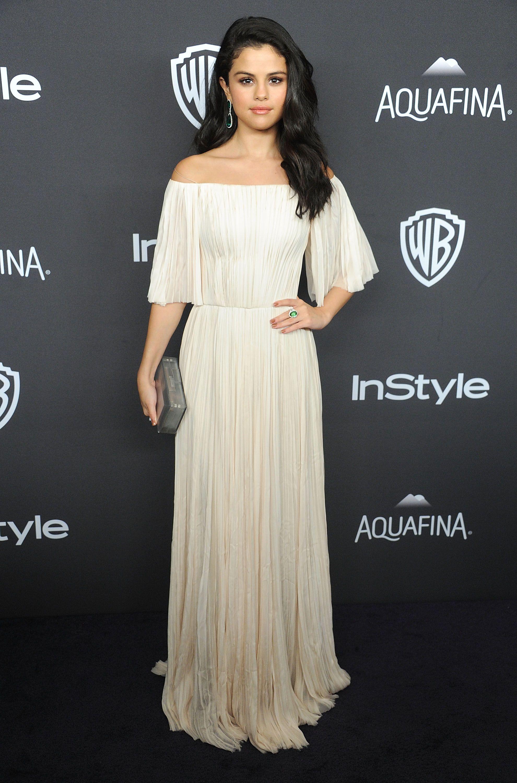 75 Cutest Selena Gomez Outfits - Selena Gomez Street Style