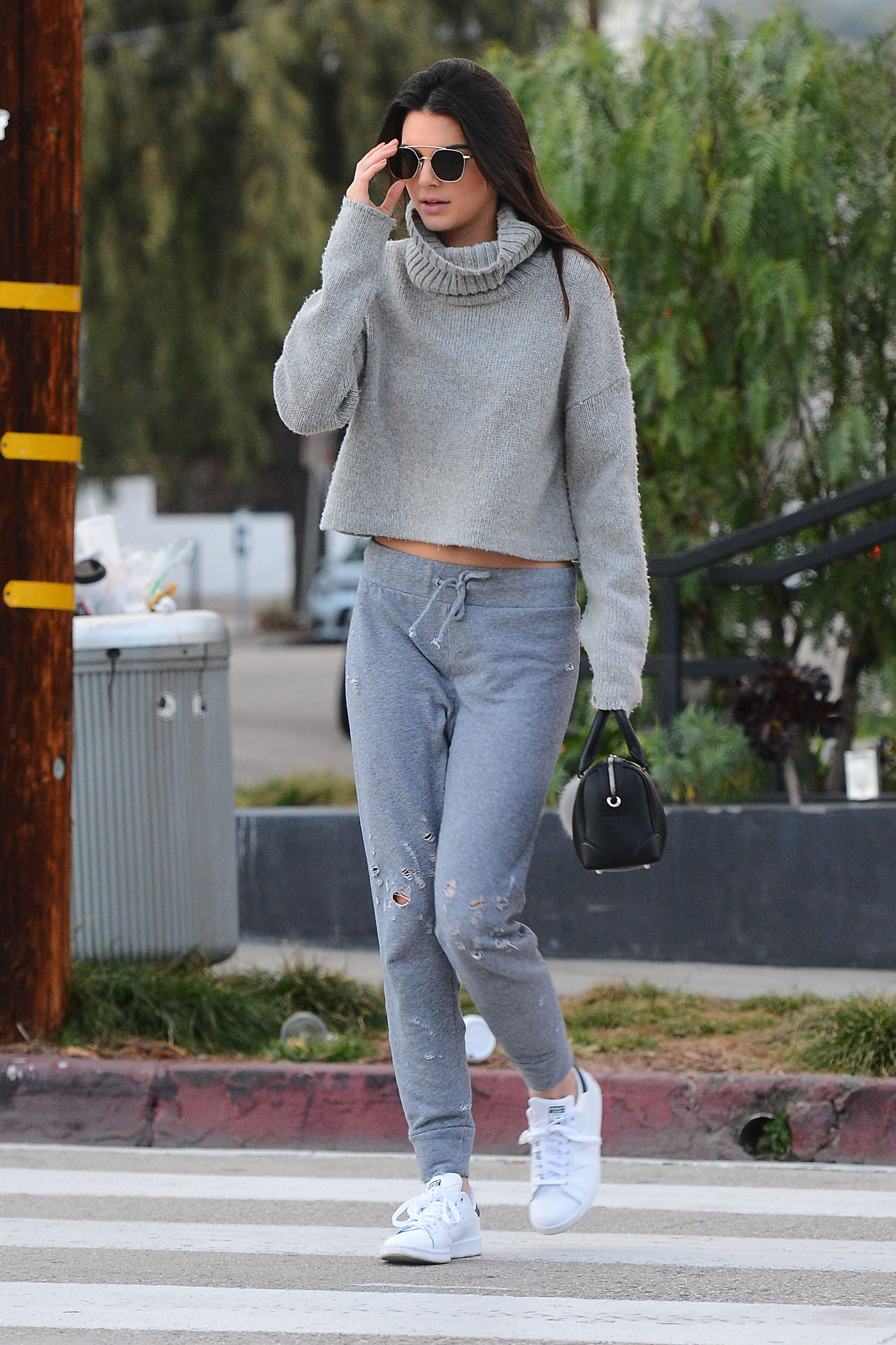 picture Celebrities in Sweatpants: 12 Stars Who Look TotallyUnreconizable