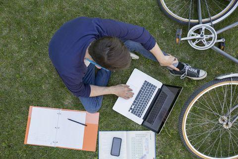 Bicycle tire, Wheel, Tire, Bicycle wheel, Bicycle wheel rim, Spoke, Bicycle part, Rim, Bicycle, Automotive tire,