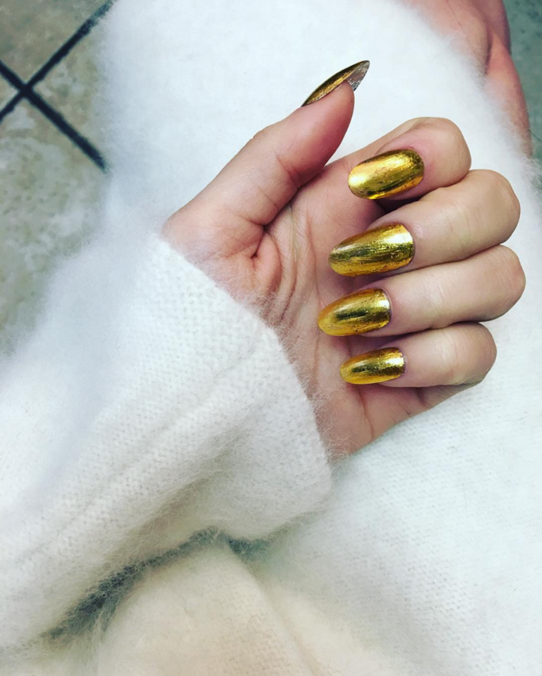 Here\'s the Stunning New Celeb Nail Trend You NEED to Try