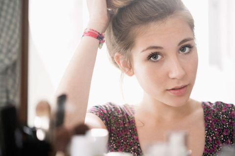 Ear, Lip, Hairstyle, Skin, Forehead, Eyelash, Eyebrow, Wrist, Style, Fashion accessory,