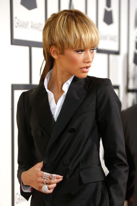 Clothing, Collar, Sleeve, Dress shirt, Coat, Outerwear, Formal wear, Bangs, Style, Blazer,
