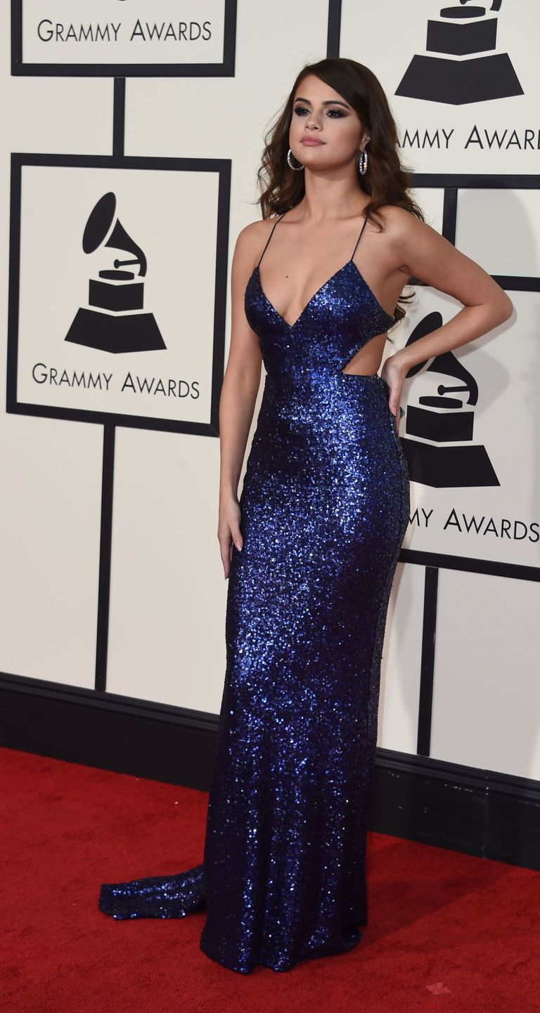 If You Think Selena Gomez\'s Grammys Dress is Hot From the Front ...