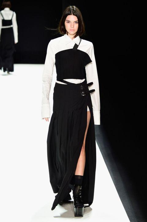 Sleeve, Shoulder, Joint, Formal wear, Style, Fashion model, Costume design, Waist, Fashion, Neck,