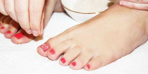 Finger, Toe, Skin, Red, Nail, Pink, Nail care, Organ, Nail polish, Foot,
