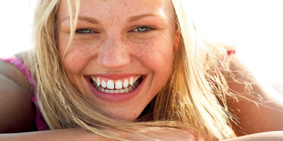 How to cover freckles without looking cakey