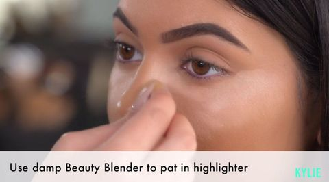 how to use a beauty blender to contour